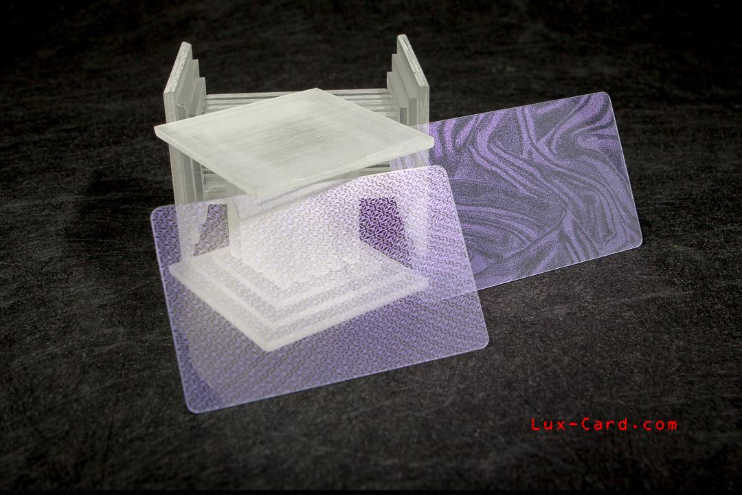 Пластиковые визитки и карты с перламутровыми узорами